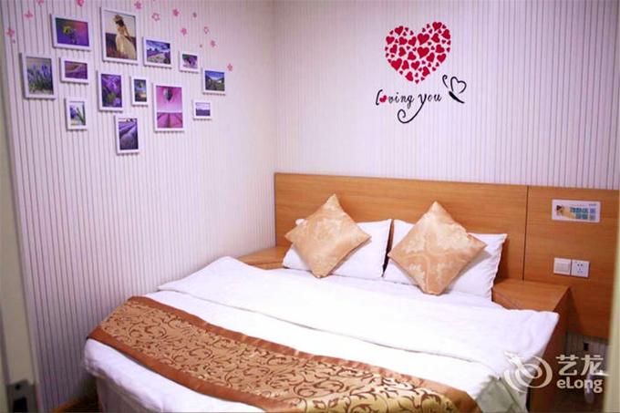 首页 酒店设计(图片列表)      爱尊客酒店 ——栈桥店,位于市南区